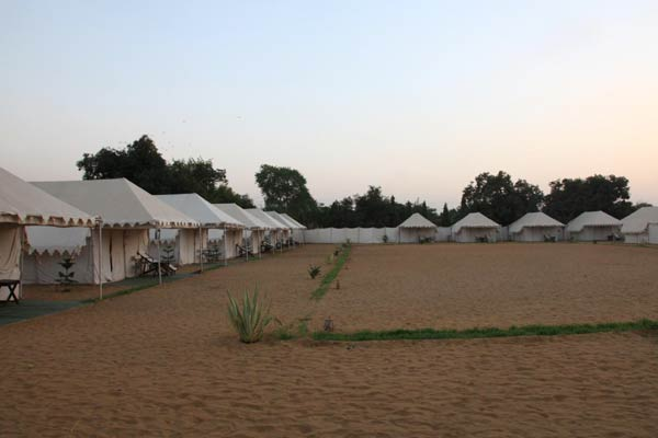 Hot air ballooning + Deluxe Tent + all meals